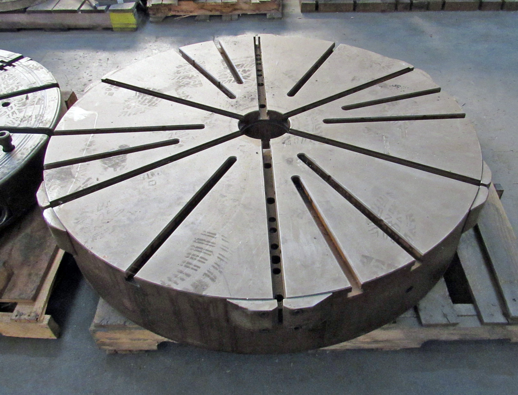 "USED, 48"" GIDDINGS & LEWIS T-SLOTTED FACE PLATE"