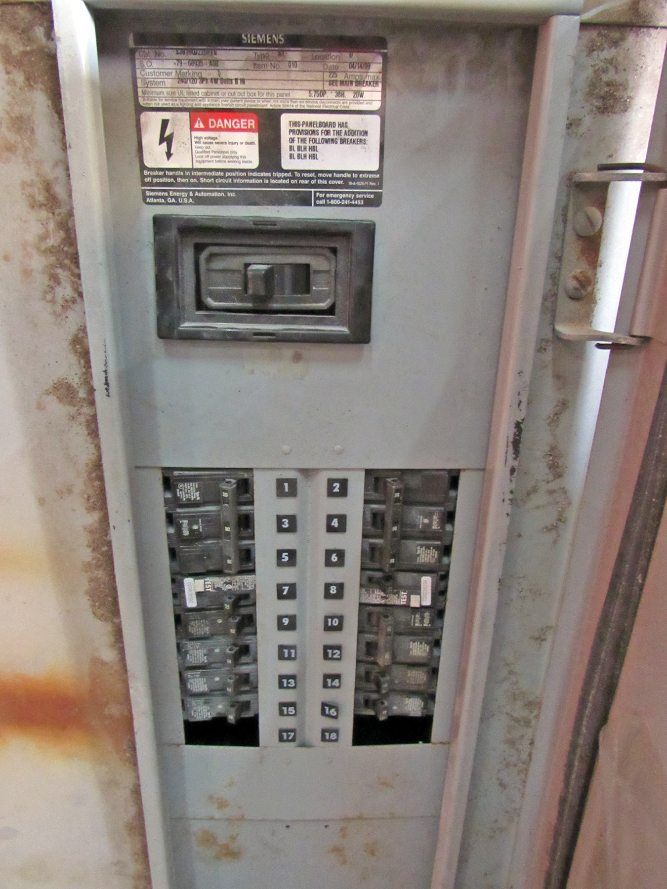 USED, 225 AMP SIEMENS TYPE S3 CIRCUIT BREAKER BOX