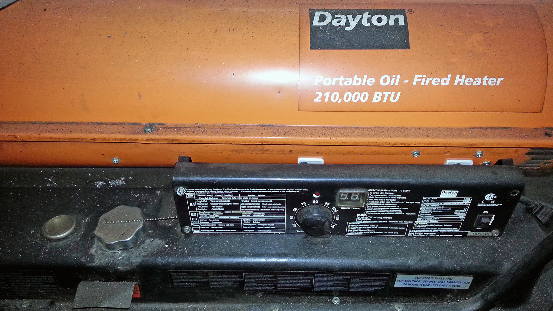 USED, 215,000 BTU DAYTON MODEL 3VE52B PORTABLE OIL-FIRED SPACE HEATER