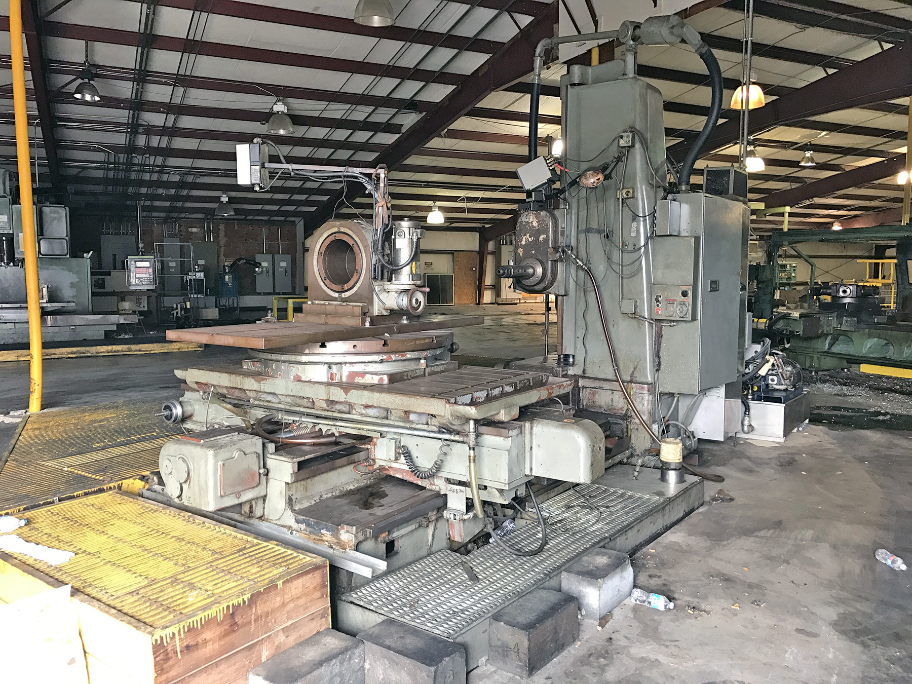 "USED, 4"" LUCAS TABLE TYPE HORIZONTAL BORING MILL"