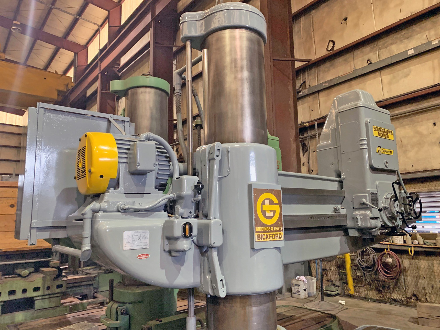 "USED, 8' 19"" GIDDINGS & LEWIS BICKFORD CHIPMASTER RADIAL ARM DRILL"