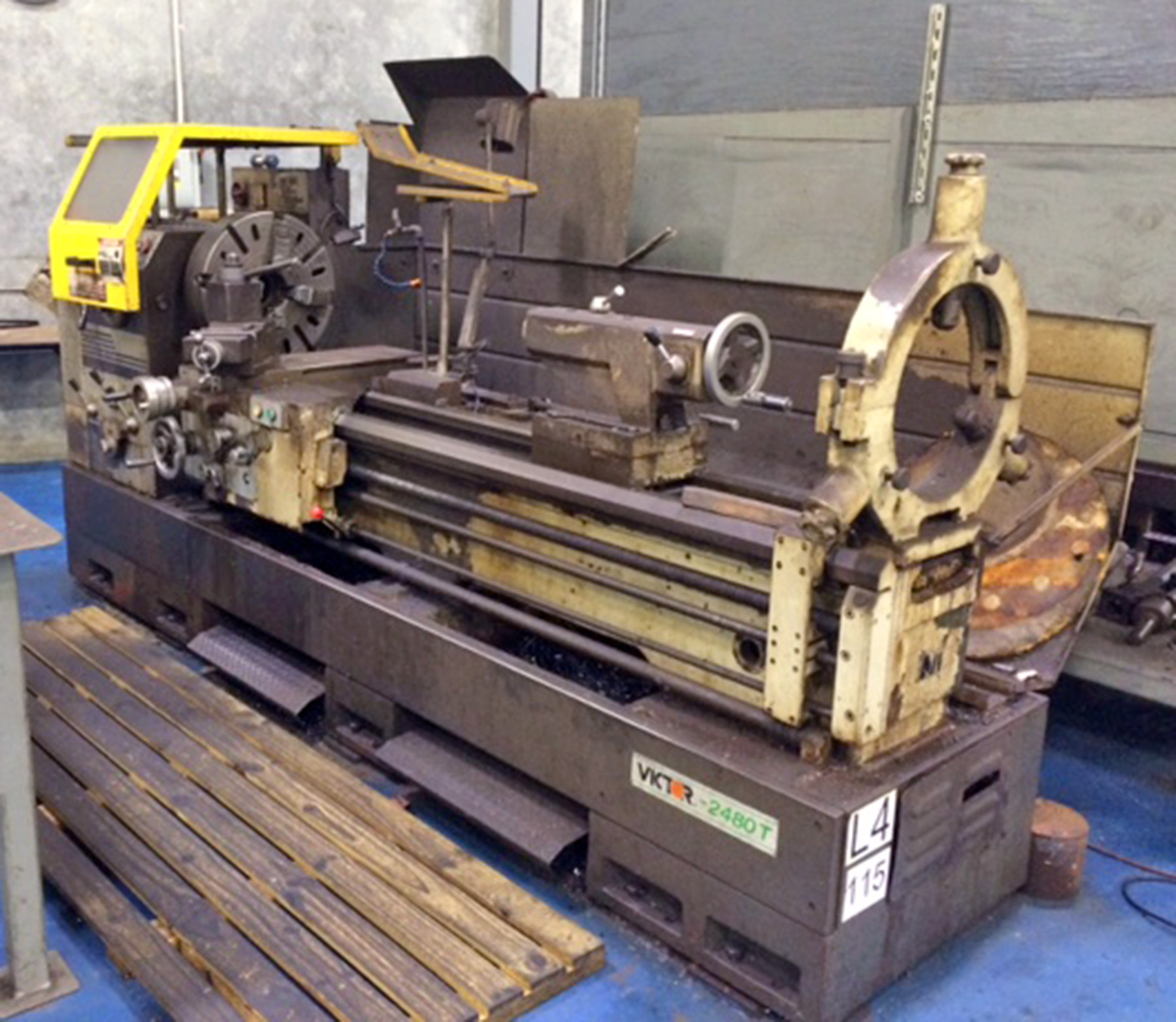 "USED,  24"" X 80"" VICTOR MODEL 2480T ENGINE LATHE"