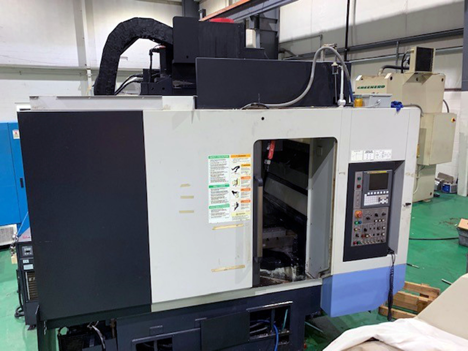 USED, DOOSAN VC 430 CNC VERTICAL MACHINING CENTER WITH PALLET CHANGER