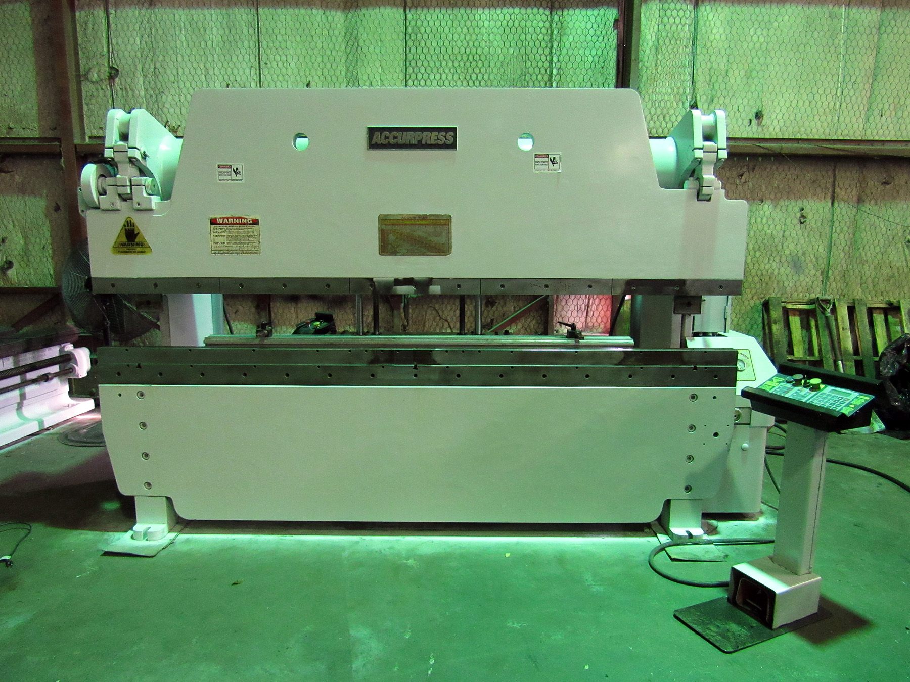 "USED, 100 TON X 120"" ACCURPRESS MODEL 710010 HYDRAULIC PRESS BRAKE"