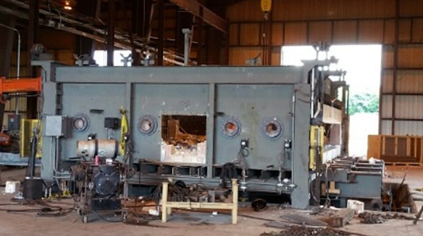 USED, 2000 DEG. F PLATE FURNACE WITH AUTOMATED WALKING BEAM PASS THROUGH SYSTEM (MFD. BY NORTH AMERICAN CONSTRUCTION SERVICES, LTD - NOW FIVES GROUP)