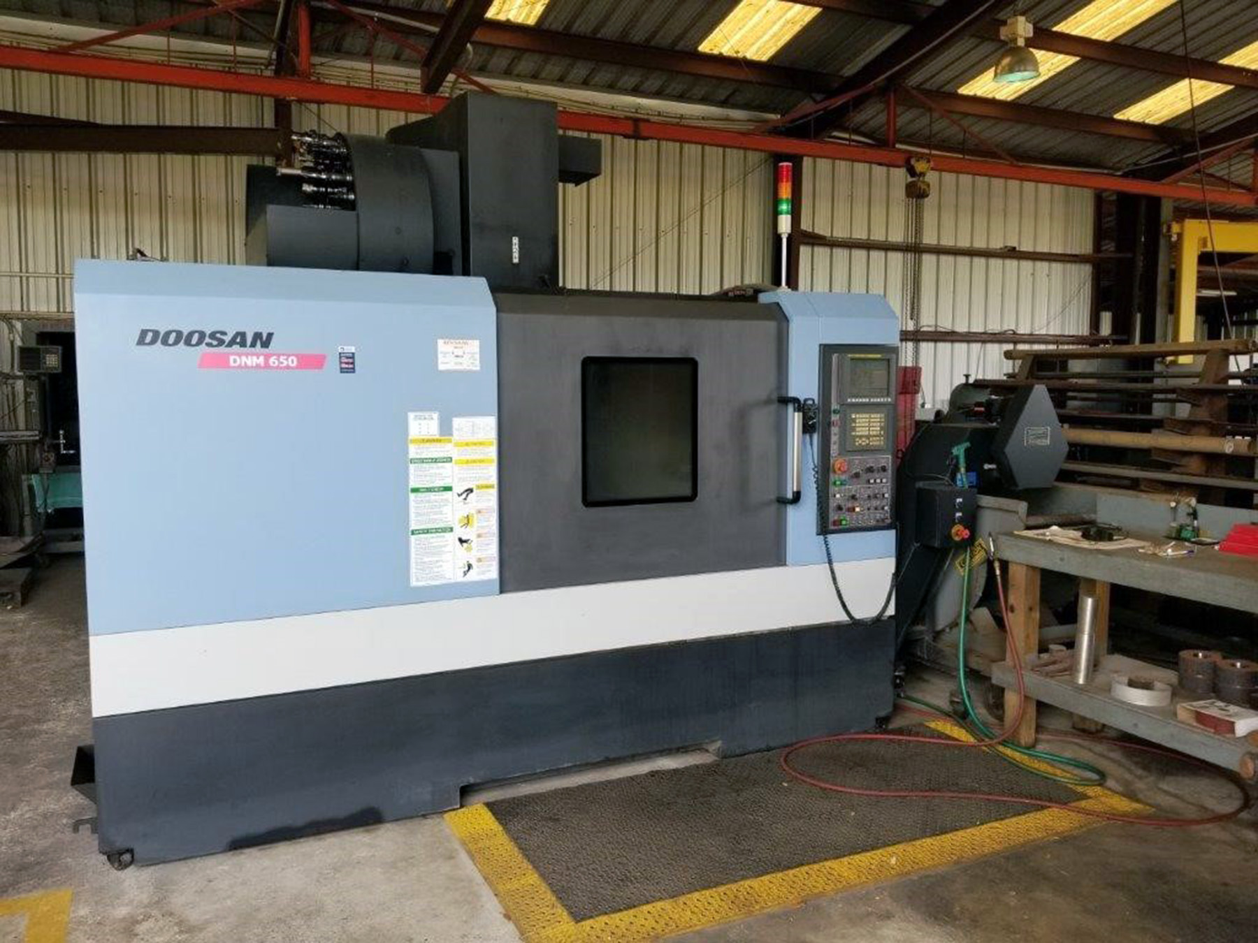 USED, DOOSAN DNM650 CNC VERTICAL MACHINING CENTER