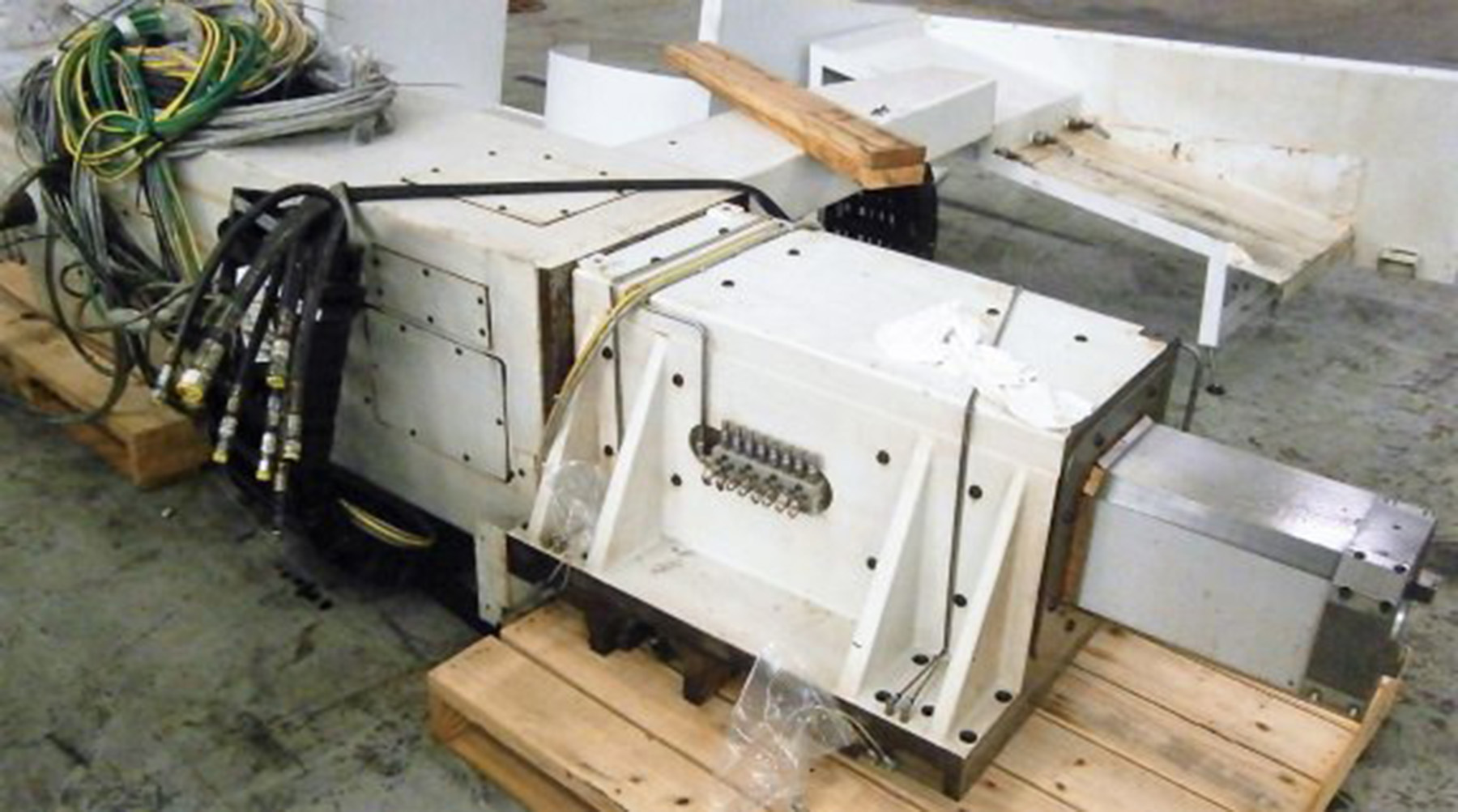 """USED, 63"""" GIDDINGS & LEWIS VTC-1600 CNC VERTICAL BORING MILL"""
