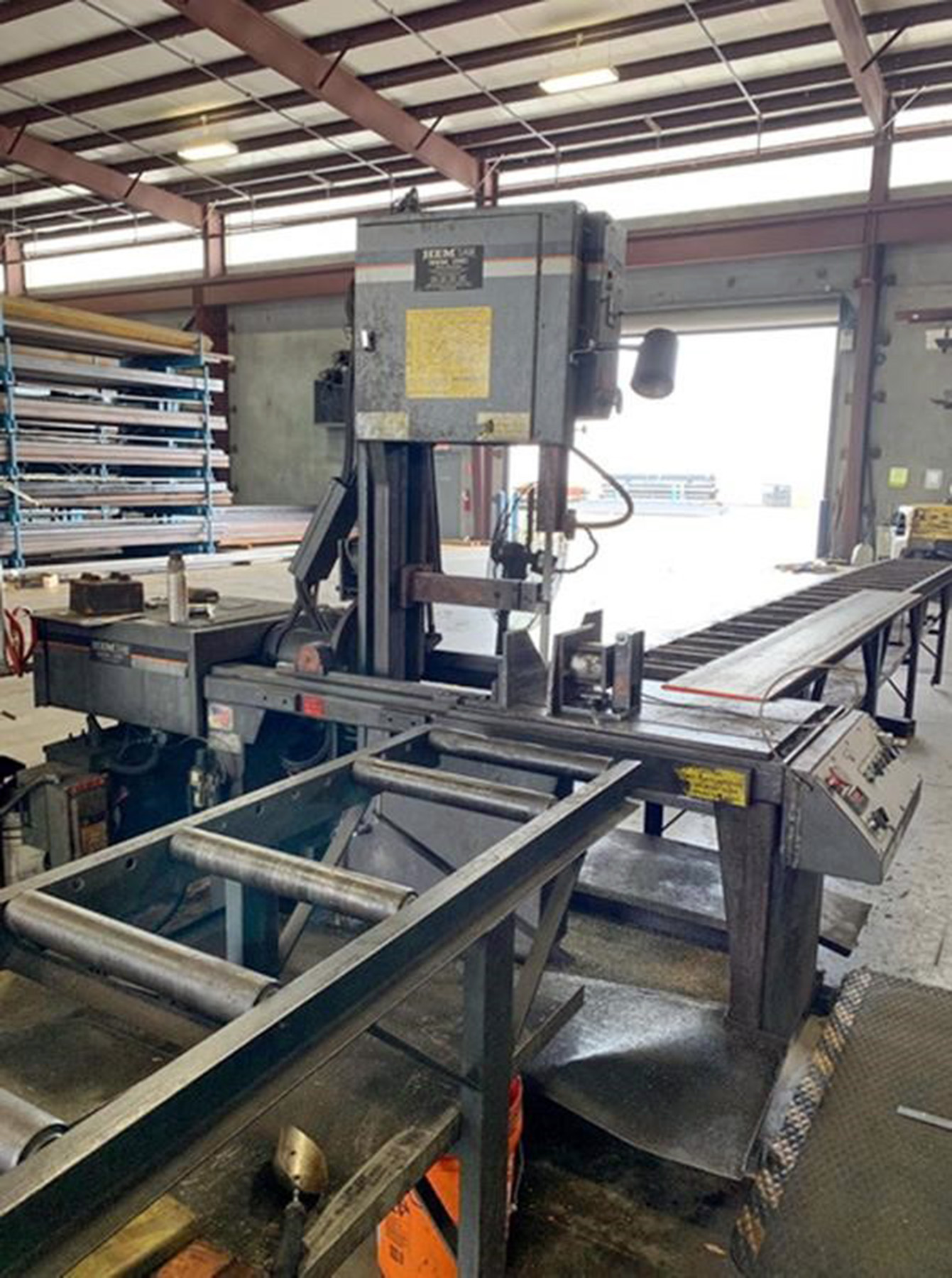 USED, HEM MODEL V100LM-3 TILT FRAME VERTICAL BANDSAW