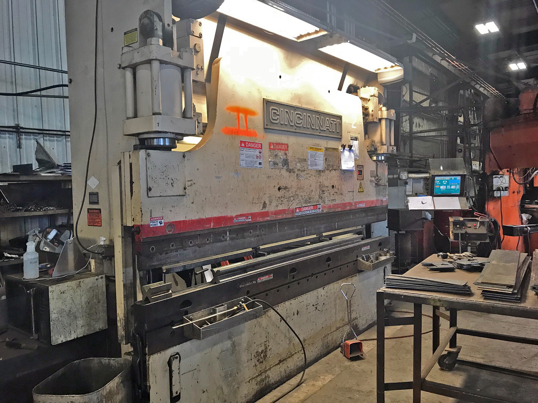 USED, 10' X 175 TON CINCINNATI MODEL 175PF HYDRAULIC PRESS BRAKE