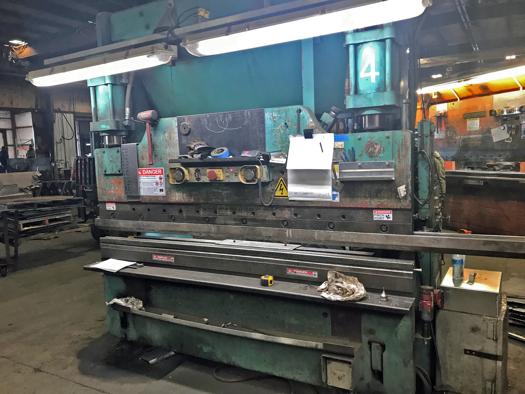 USED, 6' X 90 TON CINCINNATI MODEL 90CB HYDRAULIC PRESS BRAKE