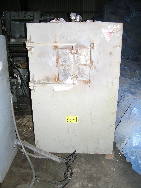 USED, 1700 DEGREES CELSIUS PERENY HEAT TREAT FURNACE WITH CONTROLS