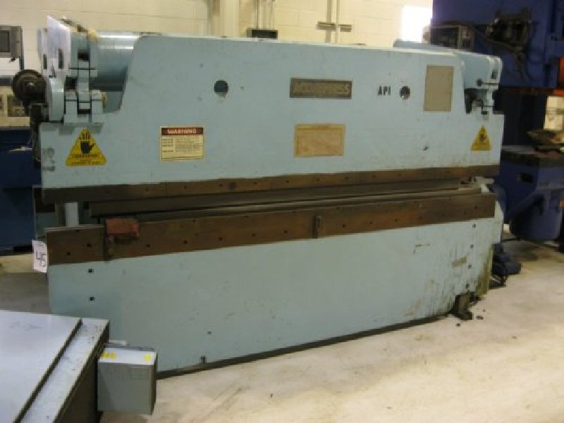 60 Ton ACCUPRESS 76010 Press Brake