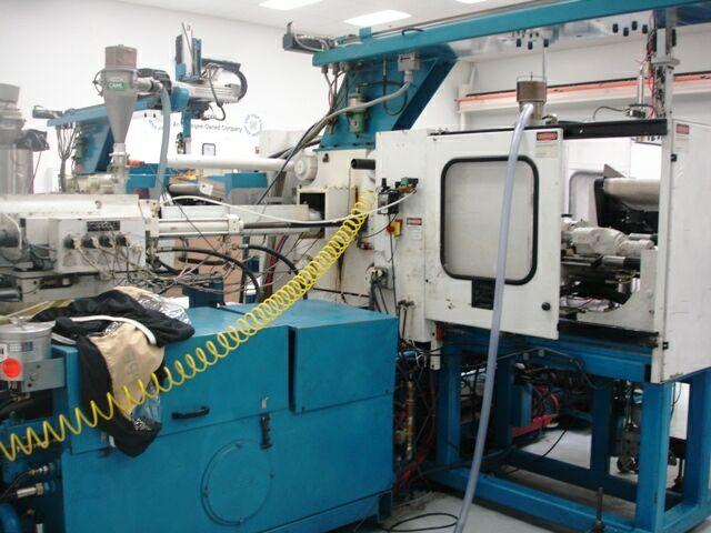 ENGEL 2-COLOR ES200-700-250 - Injection Molding Machines