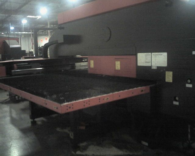 AMADA33 TONS, 58 STNS. 4 A.I., FANUC 04PC, BRUSH TABLE, HOLDERS ONLY