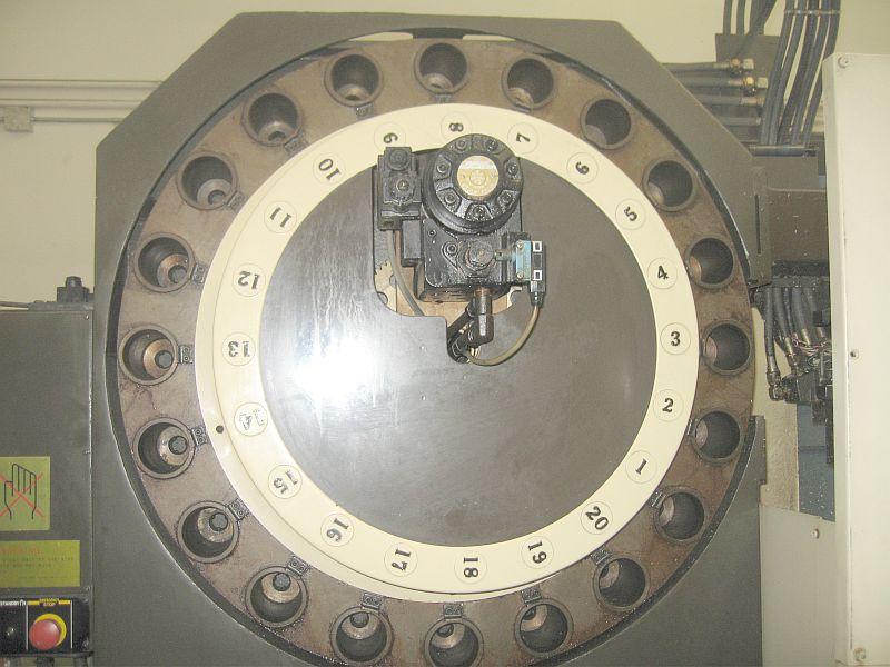 """HITACHI SEIKISEICOS CNC CTRL, (2) SPINDLES, (2) TURRETS, 39.37"""" x 22.04"""" x 22.04"""" TRVLS, 50 TPR"""