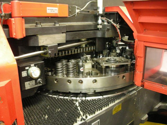 "AMADA33 TONS, 58 STNS., 4 A.I., 60"" X 100"", FANUC180-i PB CNC"