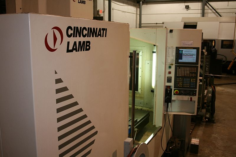 "CincinnatiFANUC 18i-MB CONTROL, COOLANT THRU, 12.5K RPM, 9"" ROTARY TABLE WITH TAILSTOCK"