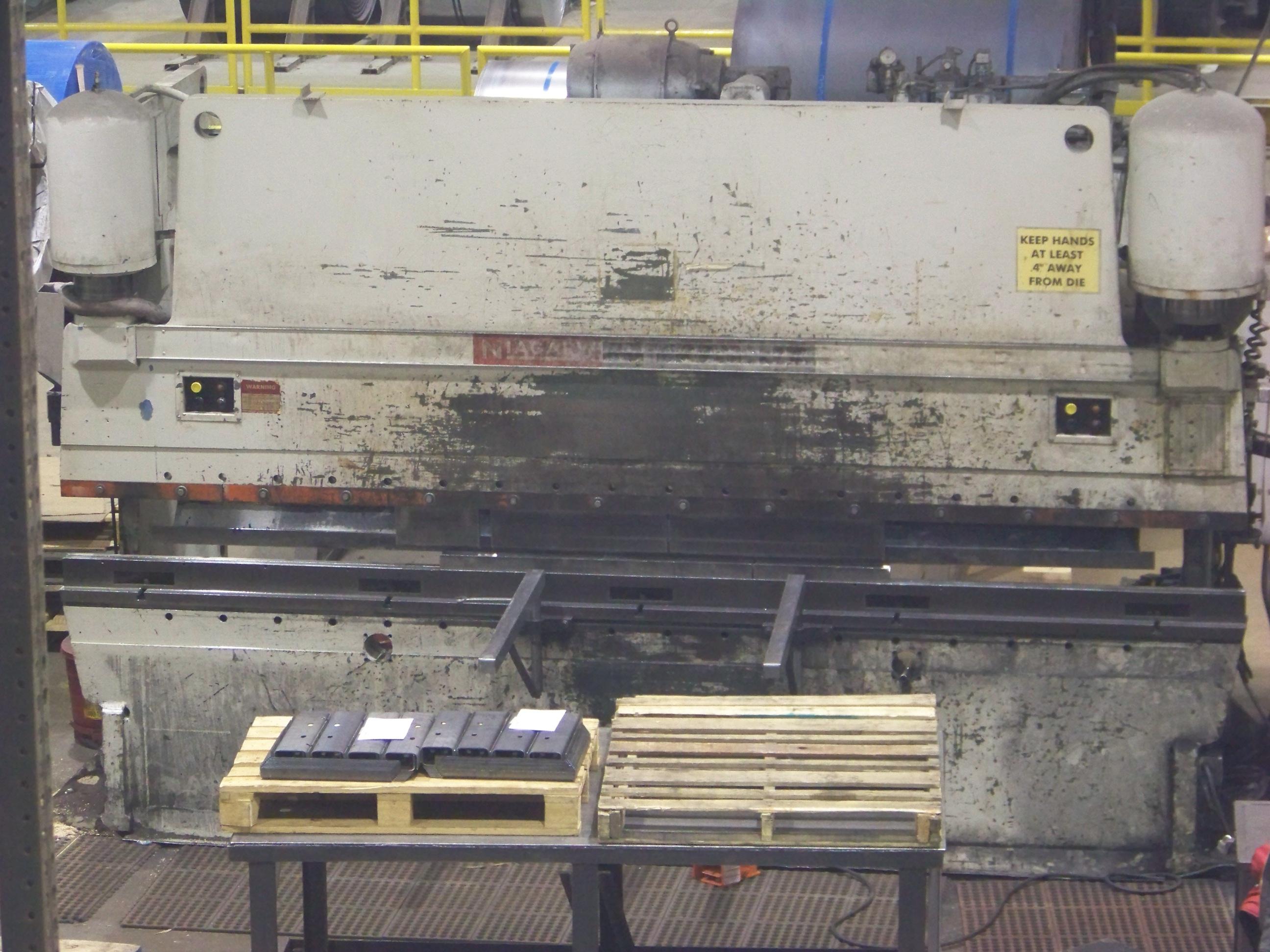 230 ton x 14' Niagara HD-230-12-14 Press Brake New: 1980