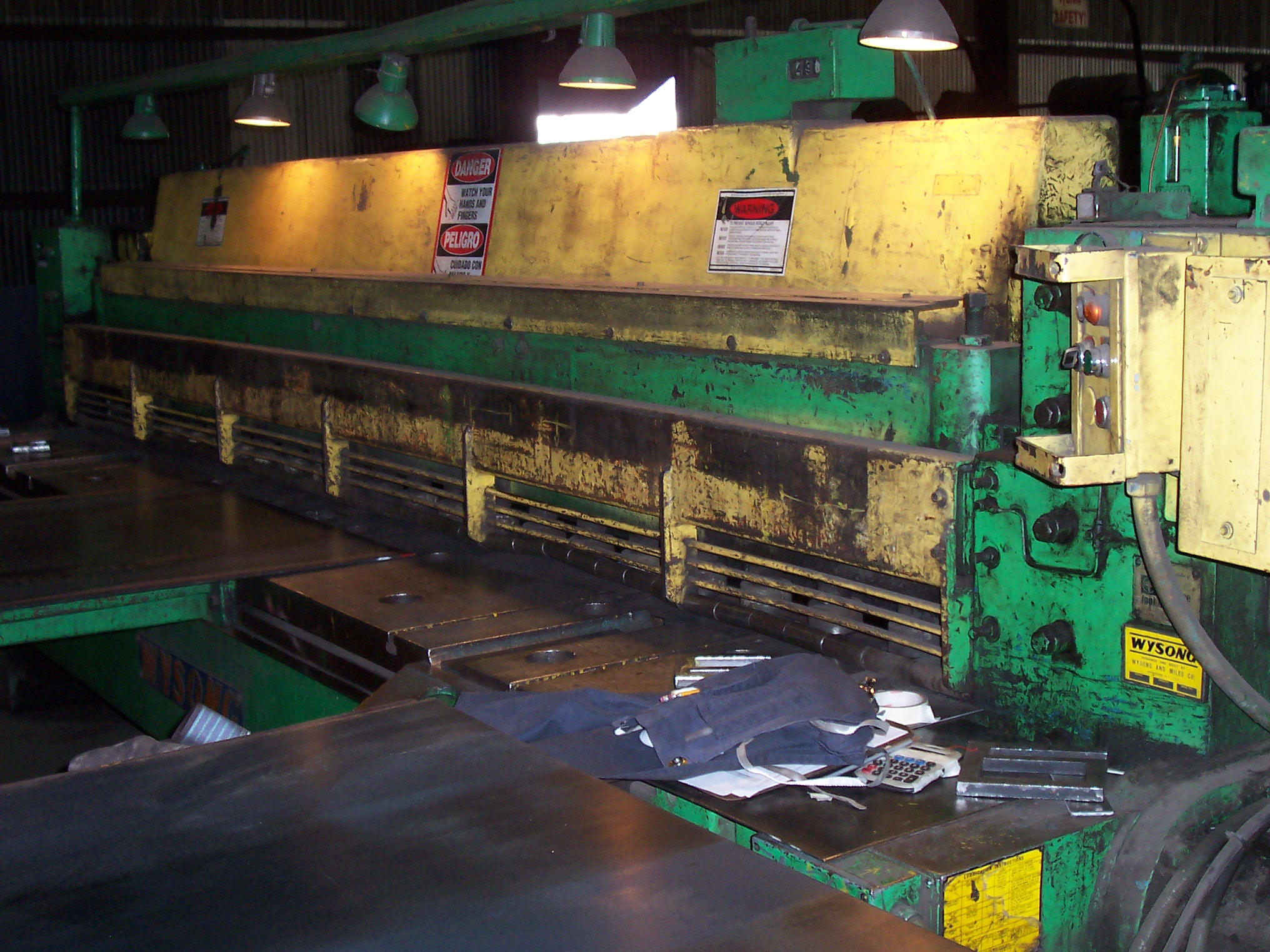 "WYSONG12' X 1/2"" WYSONG POWER SQUARING SHEAR"