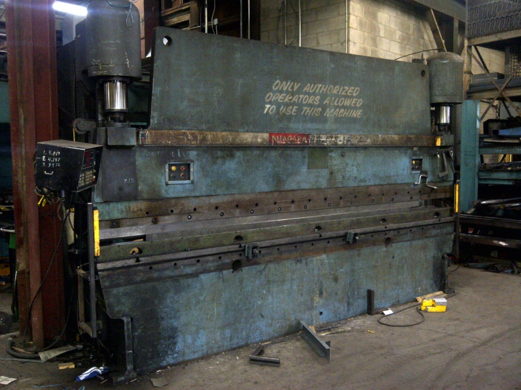 175 TON, 14FT, CNC AUTOMATIC 2000, 3-AXIS