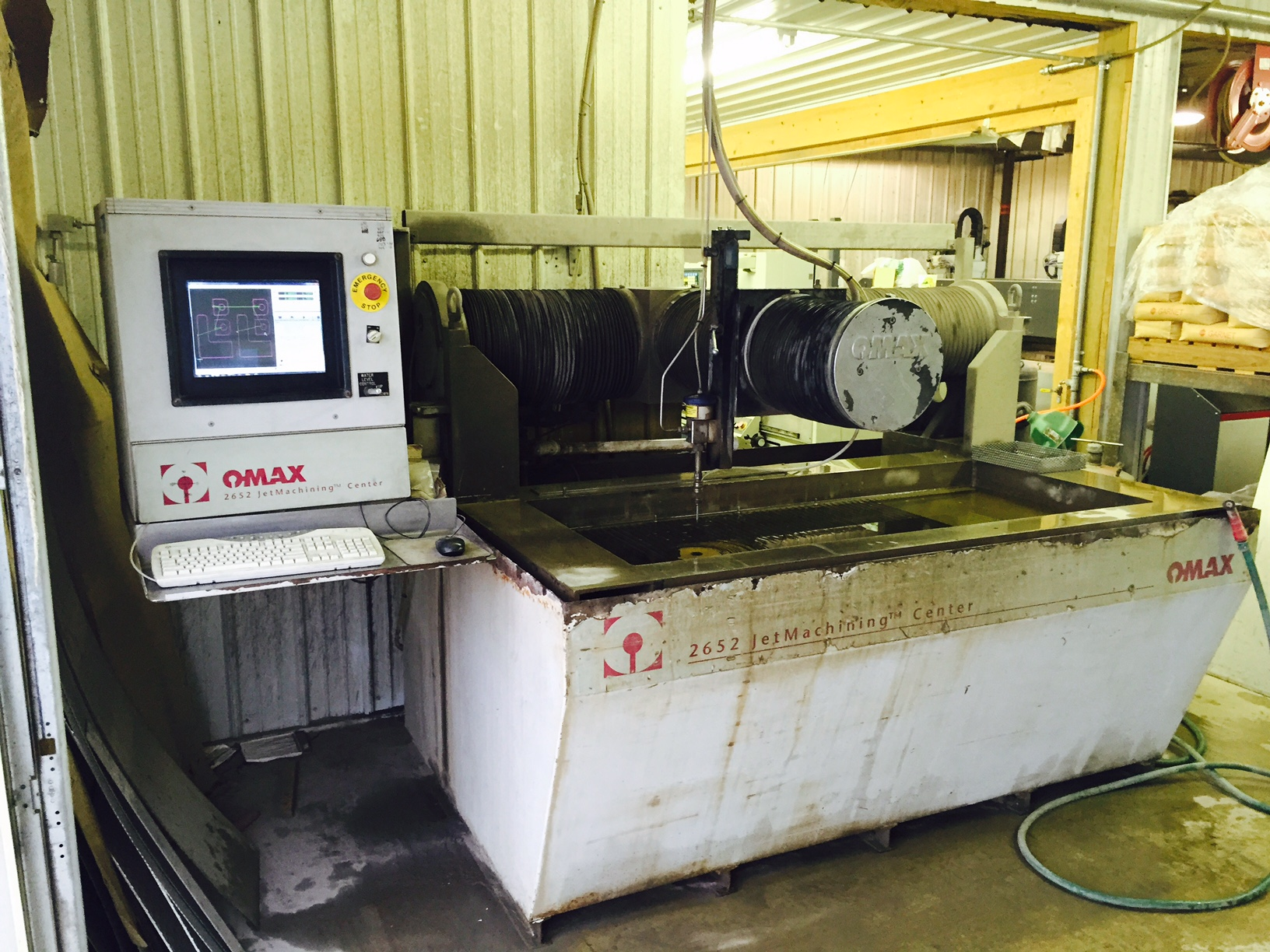 Omax 2652 Waterjet, Upgraded Computer and Drives 2011, 20 HP Intensifier