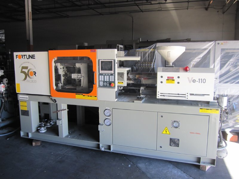 FORTUNE MODEL VE-100 INJECTION MOLDING MACHINE MFG NEW IN 2004