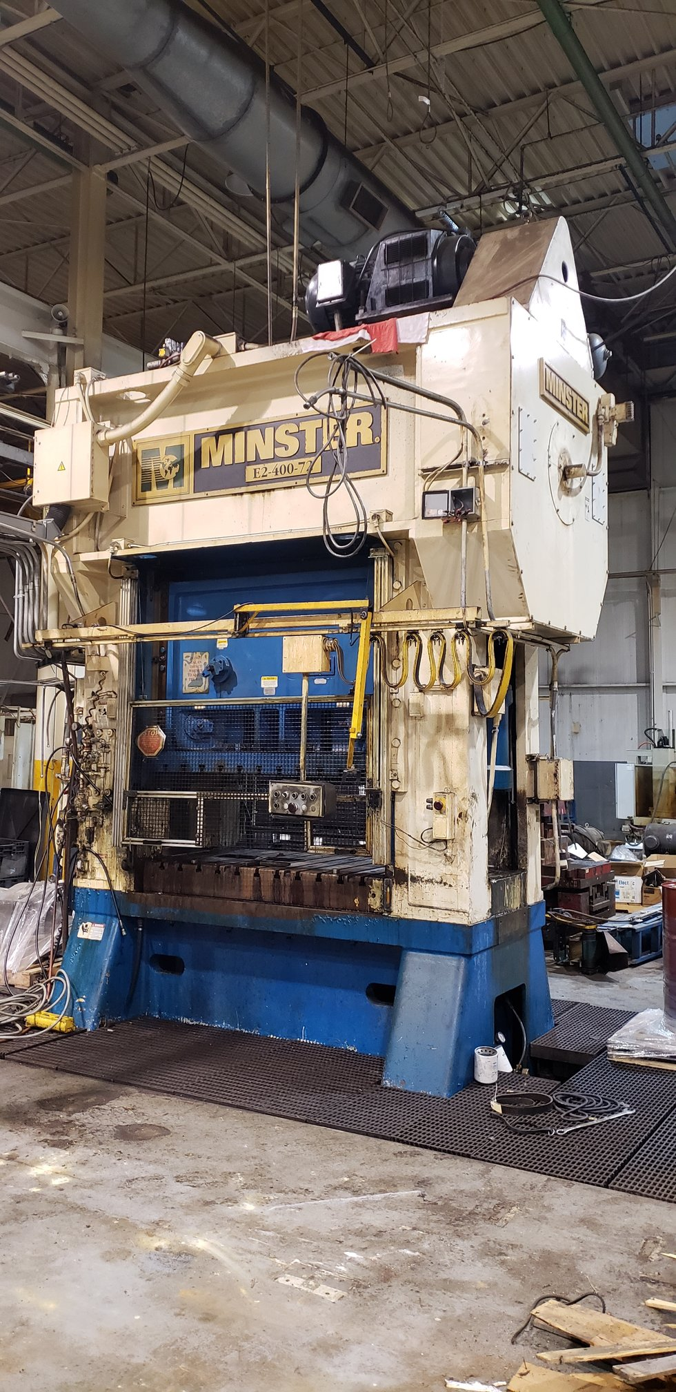400 TON MINSTER HIGH SPEED STRAIGHT SIDE PRESS