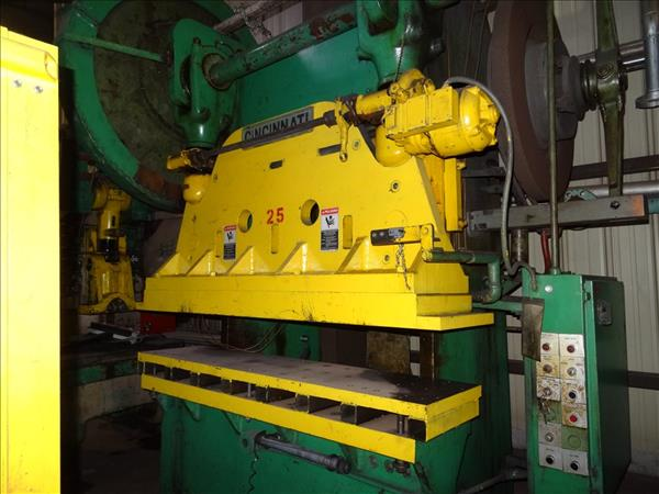 CINCINNATI 90X4 PERMANENTLY FLANGED PRESS BRAKE