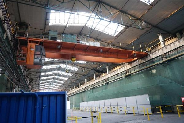 SUB 17500 LB. TWIN BEAM OVERHEAD TRAVELLING REMOTE CONTROLLED GANTRY CRANE