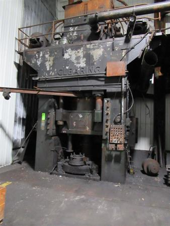 CLEARING H-3000-60 HYDRAULIC FORGING PRESS