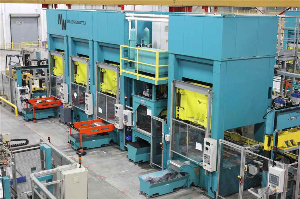 "300 TON MULLER-WEINGARTEN MODEL ZE-300-16/18.2.1,STRAIGHT SIDE DOWNACTING HYDRAULIC PRESS. 20.8""STR,CUSHION,SIEMENS CONTROLS,NEW 2002,(2) AVAILABLE"