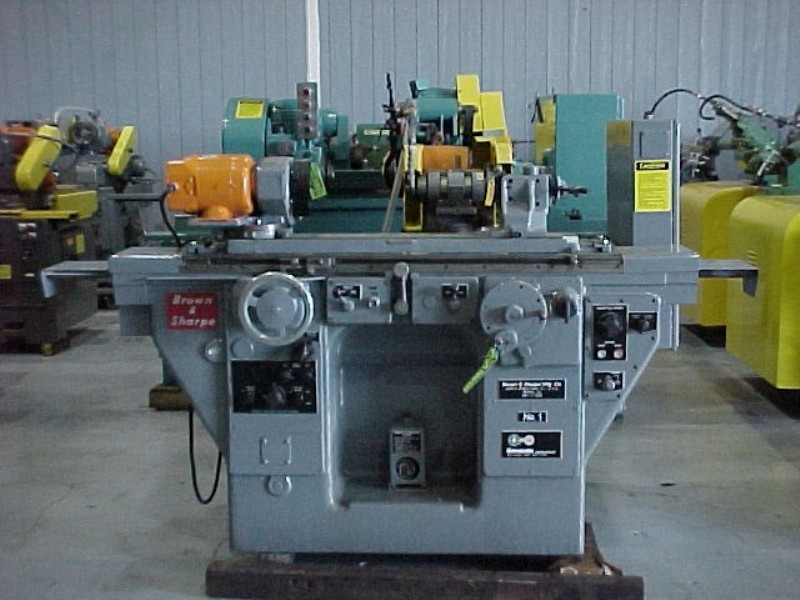 "10"" x 20"" No. 1 BROWN & SHARPE HYDRAULIC UNIVERSAL CYLINDRICAL GRINDER, 10"" SWING, 20"" BETWEEN CENTERS, 1968"