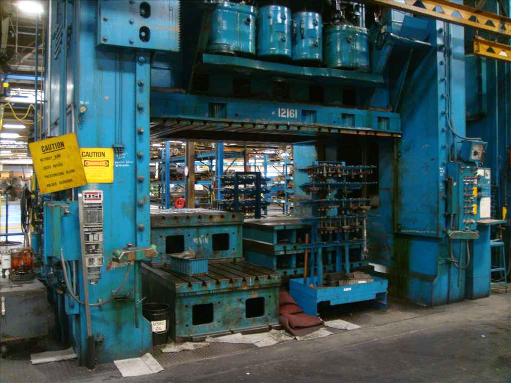 "1400 TON USI CLEARING MODEL D4-800-600-144-84 ,STRAIGHT SIDE DOUBLE ACTION TOP DRIVE PRESS, 42/36""STROKE,91/84"" SH, 36"" ADJ. CUSHIONS, AIR CLUTCH, TOP DRIVE, 1963"