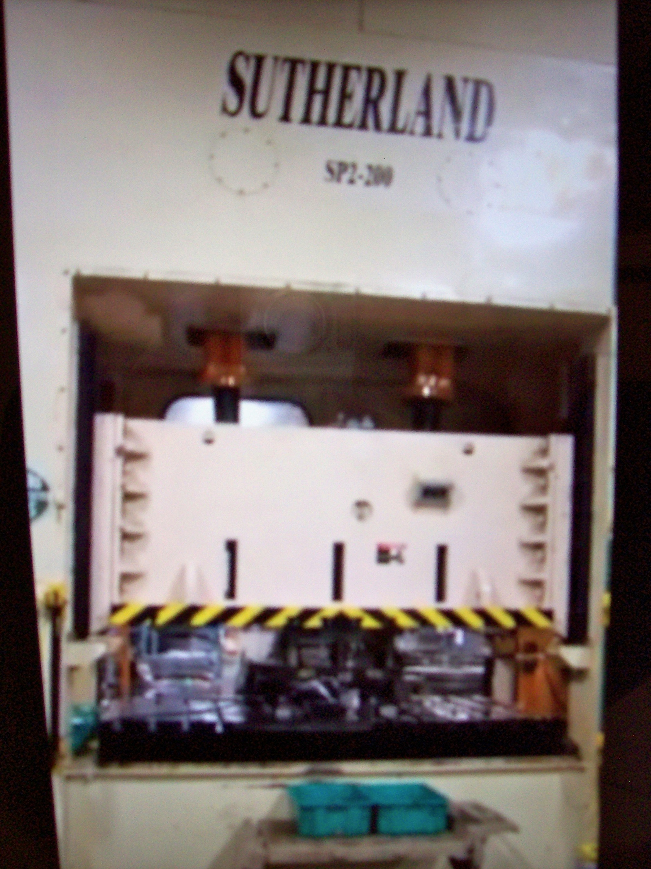 "220 TON SUTHERLAND DBL POINT STRAIGHT SIDE PRESS, MODEL SP2-S-220-84-8, 8"" STR, 84"" X 48"" BA, 31"" X 19"" WDO, 0-80 SPM VARI"