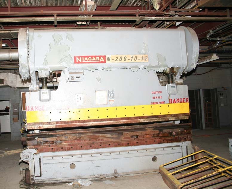 """200 TON 12′ TON NIAGARA MECHANICAL PRESS BRAKE, MODEL N200-10-12, 4"""" STR, 6"""" ADJ, 12"""" SH"""
