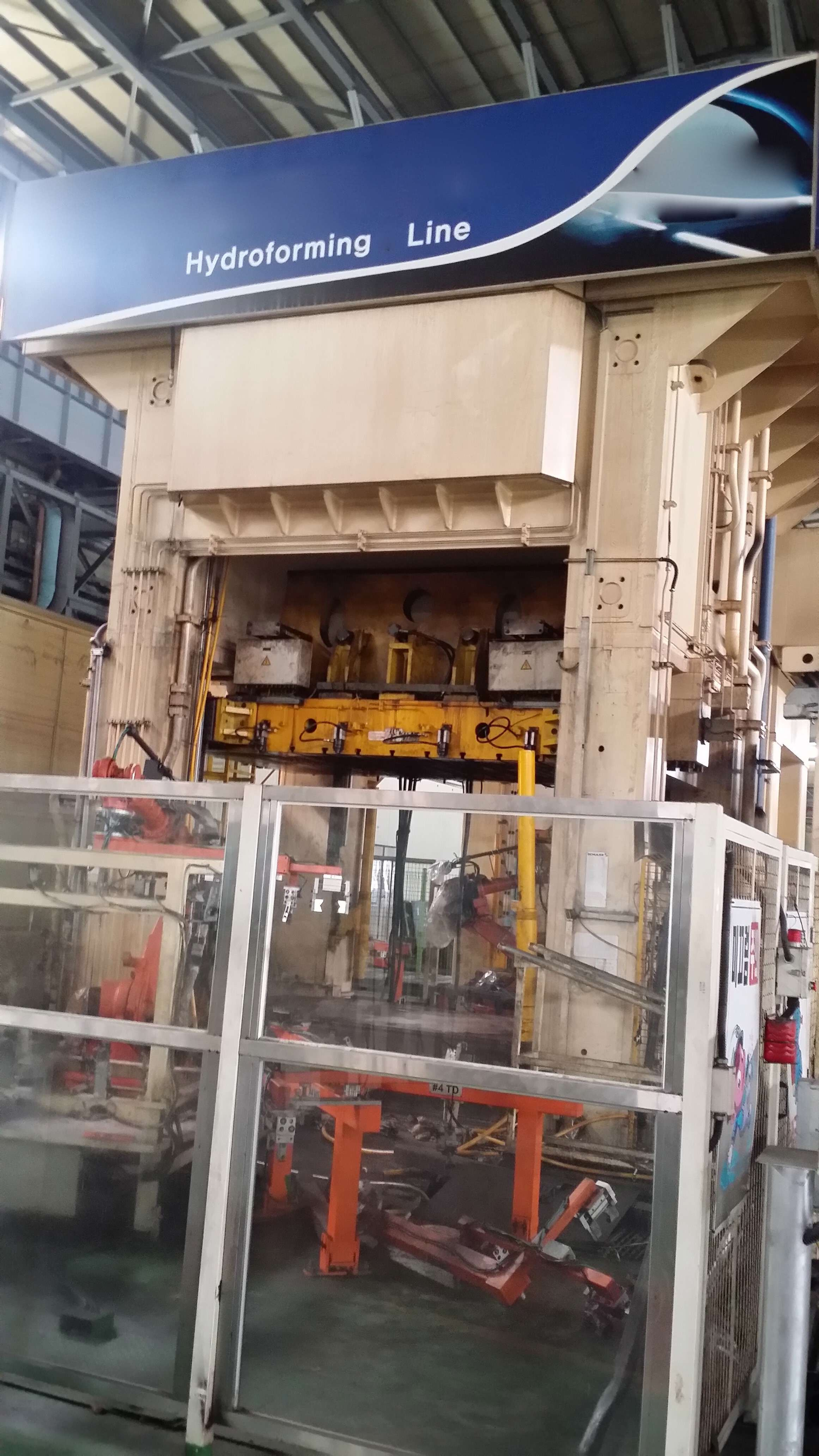 "5000 TON SCHULER HYDRAULIC HYDROFORM PRESS, MODEL HHU-5000-3.0×2.0, 39"" STR, 78"" DLO, 124"" LR X 84"" FB TABLE, 2007"