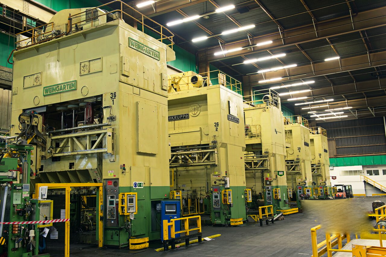 1000 TON KRUPP TANDEM PRESS LINE, with Automation, modernized in 2000 with new PLC Siemens S-7 ; Olafström Automation: (line 36)