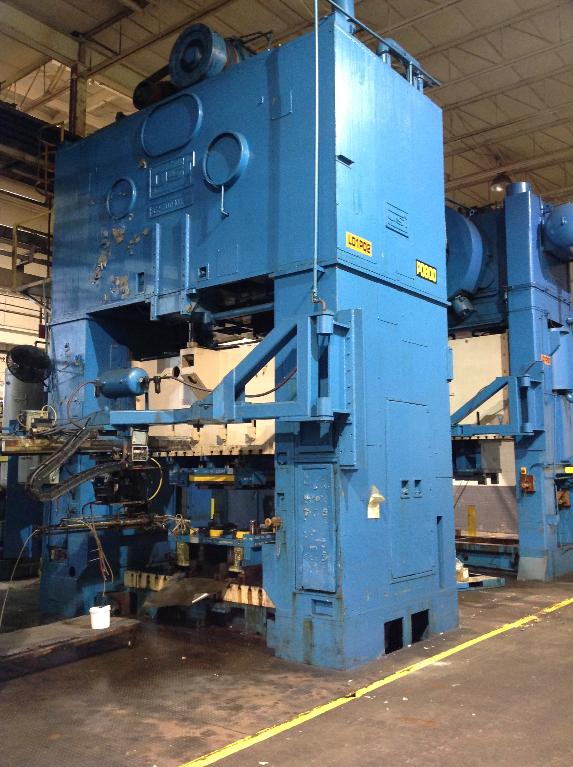 "600 TON USI CLEARING STRAIGHT SIDE PRESS, MODEL SE2-600-108-48, 20′ STR, 20"" ADJ, 40"" SH, 108"" LR X 48"" FB BA, 20 SPM"