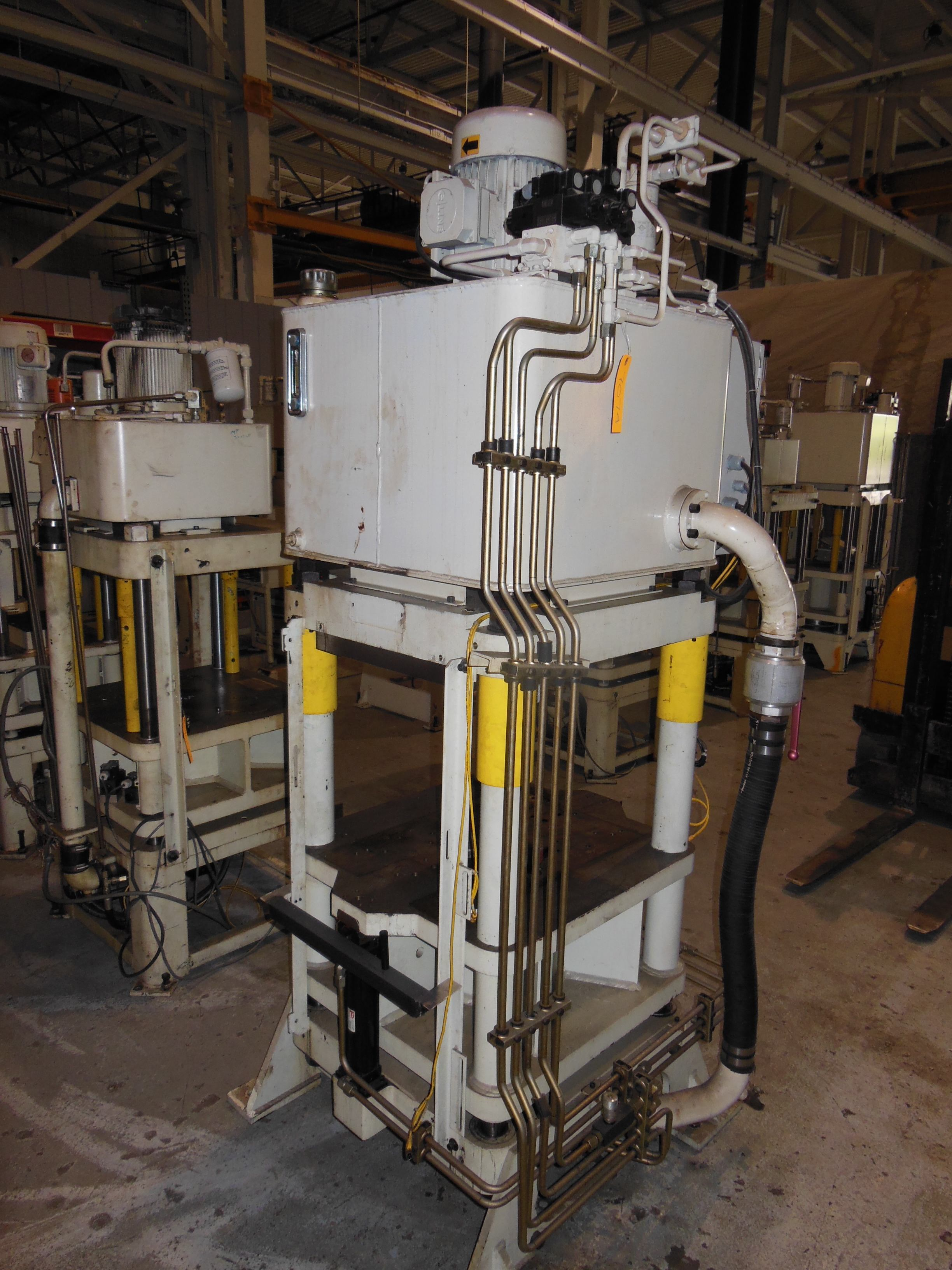 "60 TON FISHER DYNAMICS UP ACTING HYDRAULIC 4 POST PRESS, MODEL AJF-7, 7"" STR, 19.75"" X 19.75"" WORK AREA BED"