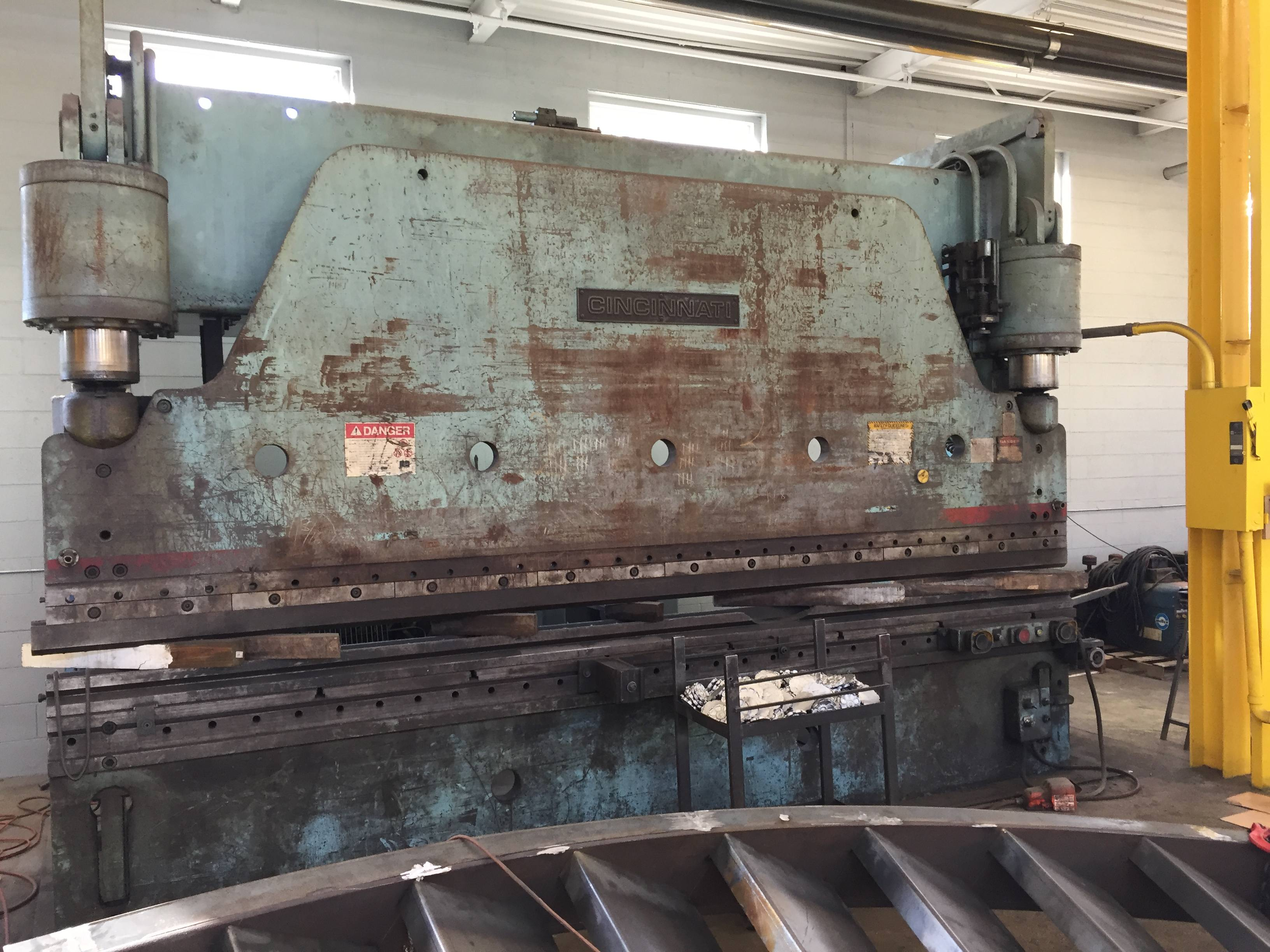 "300 TON X 16′ CINCINNATI HYDRAULIC PRESS BRAKE, MODEL 300 H, 12"" STR, 20"" OPEN, 1975"