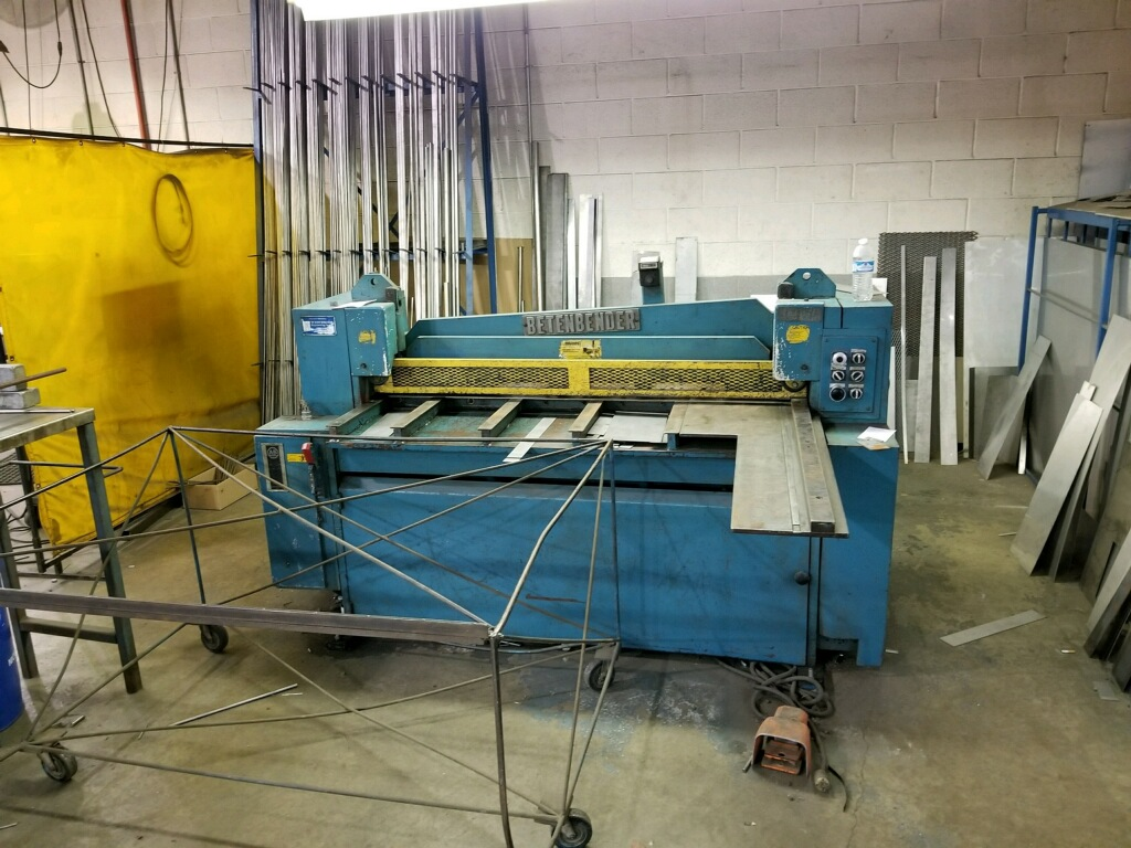"60"" X 10 GA. BETENBENDER HYDRAULIC SHEAR, MODEL 60"" X 10 GA, 62"" CUT LENGTH, 36"" BACKGAUGE, 35 SPM"