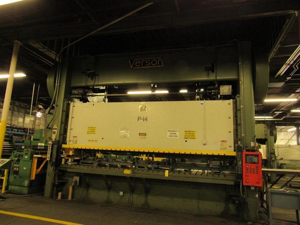 "400 TON VERSON SSDC PRESS, MODEL 400-B2-216-60, 6"" STR, 25"" SH, 6"" ADJ, 216"" LR X 60"" FB BED, 50"" WDO, 30 SPM, 1985"