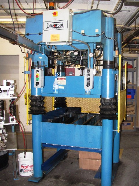 Beckwood 4P31F4238 4-Post Hydraulic Press (2000)  31 Ton