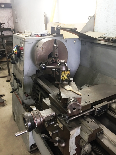 "Clausing Colchester 21 Manual Engine Lathe (1977)  Swing 21"" Centers 120"" Steady Rest, Chuck"