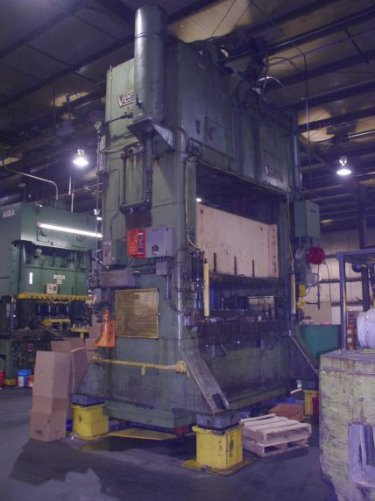 250 Ton Verson S2-250-96-48 Straight Side Press