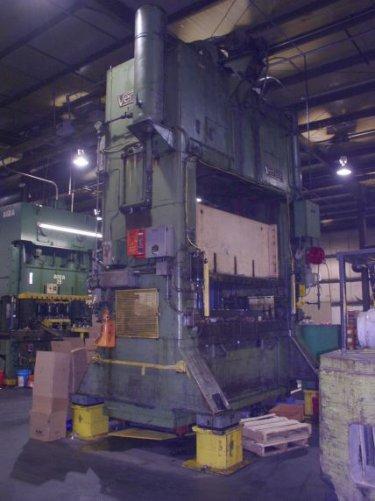 250 Ton Verson S2-250-96-48 Straight Side Press