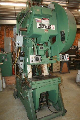 """45 ton Minster #5 SS, 3"""" Stroke, 12.75"""" SH., 90-180 VSPM, 2.5"""" Adj, 28"""" x 18""""BA"""