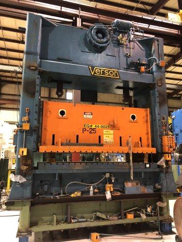 400 Ton Verson S2-400-132-60 Straight Side Press