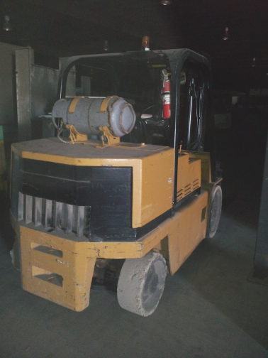 (1) PREOWNED CATERPILLAR 10,500 LBS FORKLIFT, MODEL T100D, <br>LP GAS, NEW IN 1994