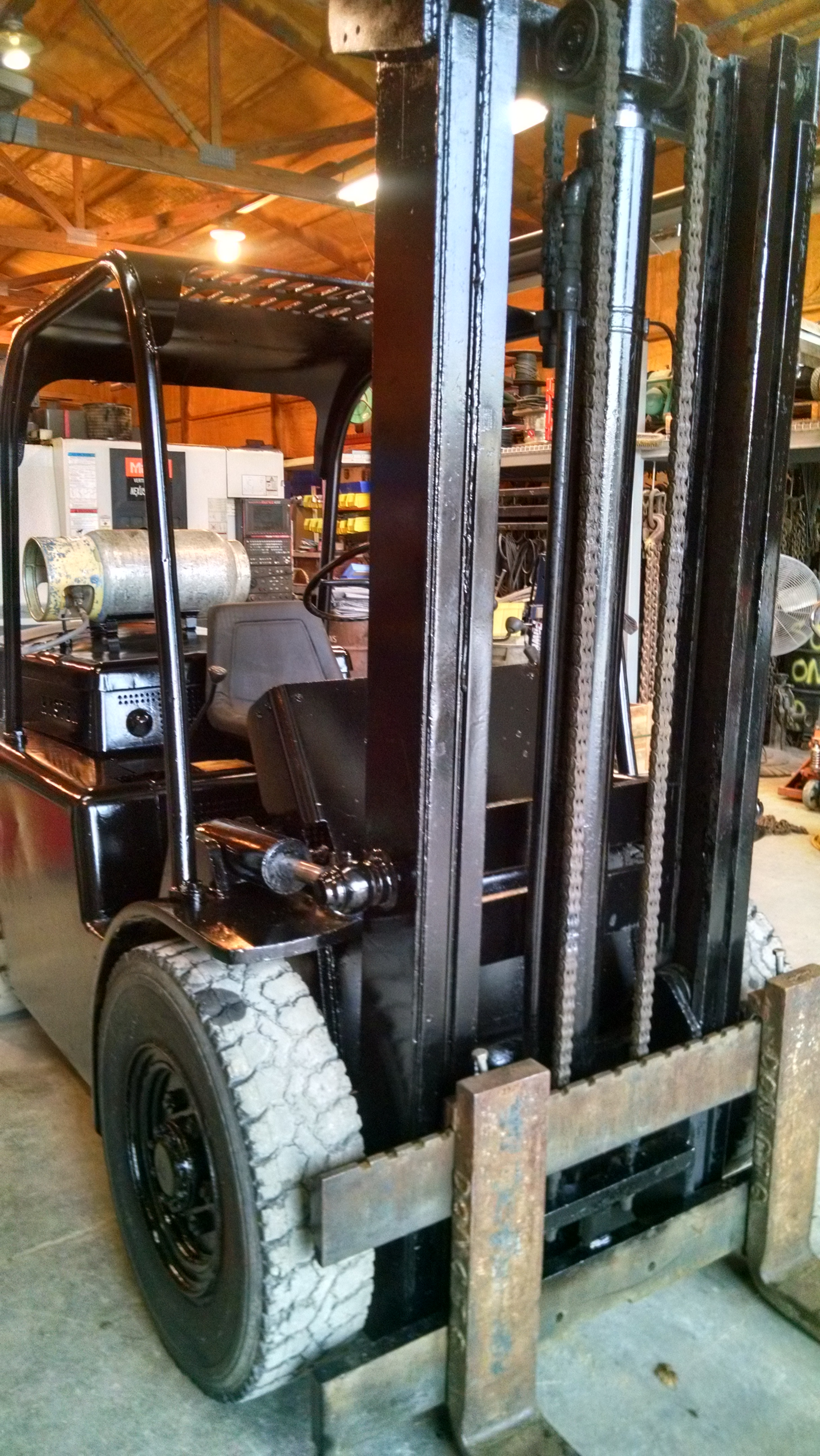 (1) PREOWNED HYSTER PNEUMATIC FORKLIFT UNIT# 40